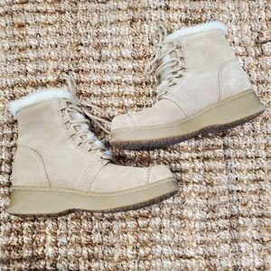 Report Sz 7 Sierra Leather Faux Fur Lined Boots